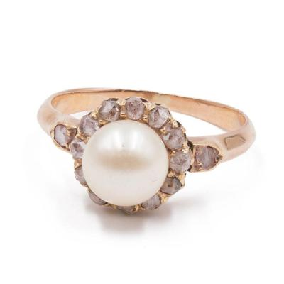 18k Gold Ring With Rose Cut Diamonds And Pearls, Early 900s