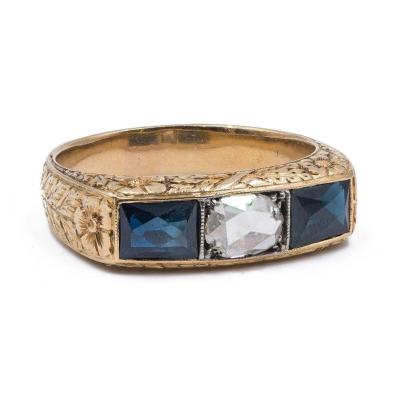Antique Men's Ring In 18 K Gold With Central Rose Cut Diamond And Sapphires