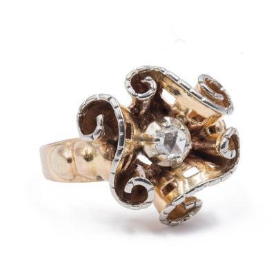 Bague Vintage En Or 18 Carats Avec Un Diamant Taille Rose CouronnÉ Central