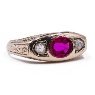 Antique Men's Ring In 18k Gold With Ruby ​​and Diamonds, Early 900s
