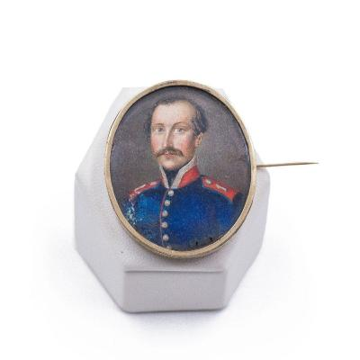Antique 14k Yellow Gold Brooch With Miniature Soldier, Second Half Of The 19th Century