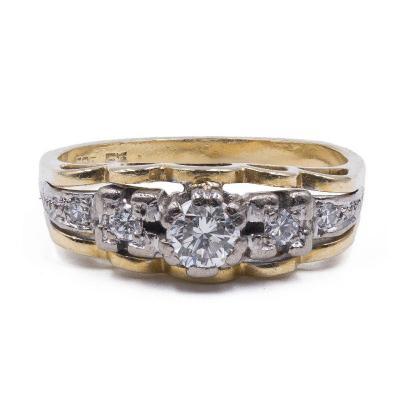 Bague Vintage En Or 14 Carats  Avec Diamants TaillÉs En Brillant (0.40 Ct)