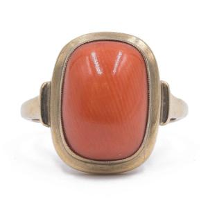 Vintage 8k Yellow Gold And Cabochon Coral Ring, 50