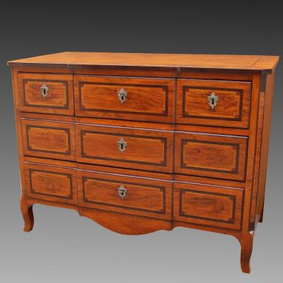 Antique Louis XV Dresser Commode Chest Of Drawers In Walnut Inlaid - 18th Century