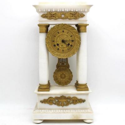 Ancien Horloge Pendule Portique d'époque Restauration en marbre et bronze doré (H.50) - 19ème