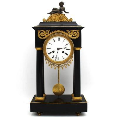 Ancien Horloge Pendule Portique d'époque Directoire en bronze doré et marbre (H.53) - 18ème