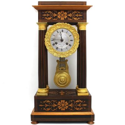 Ancien Horloge Pendule Portique d'époque Charles X en palissandre et marqueterie - 19ème