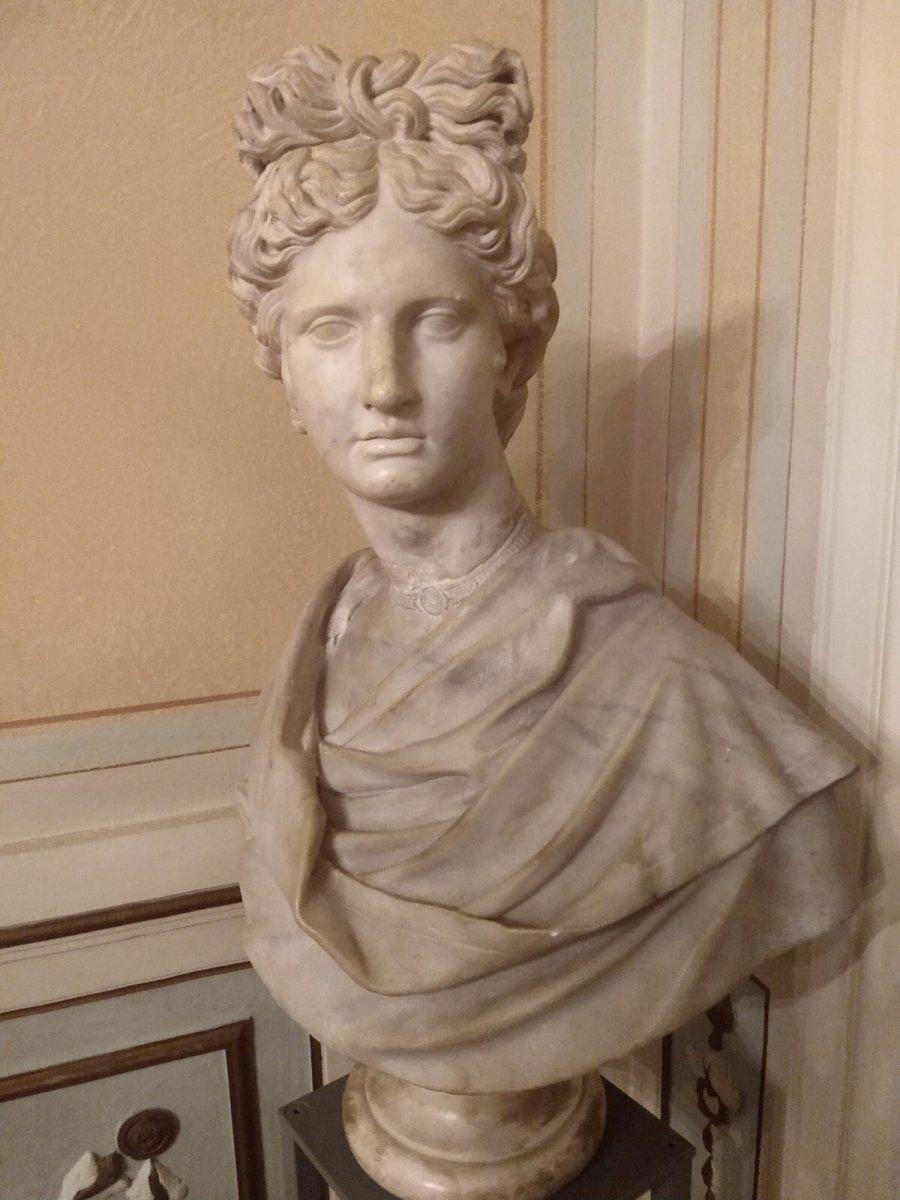 Apollon Du Belvédère Sculpture En Marbre, Renaissance.