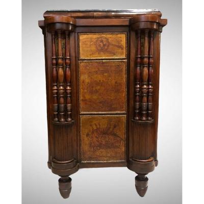 Cabinet En Noyer à 3 Tiroirs décorée d'armoiries napoléoniennes