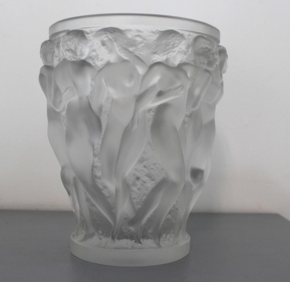 Beau Vase Signé Lalique