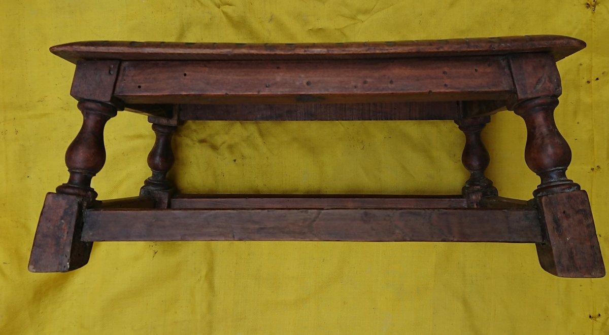 Modèle De table En Noyer XIXe Siècle