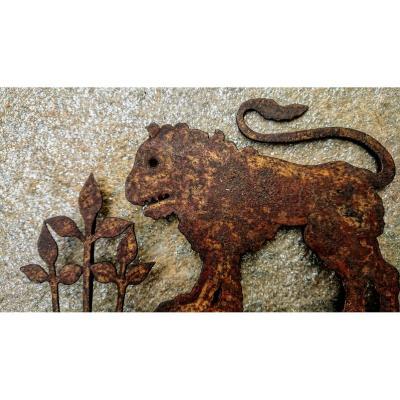 Frise En Fer Forgé Représentant Un Lion