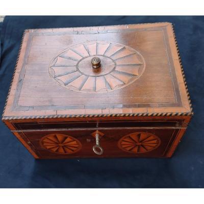 Boîte à Bijoux Marquetée  époque  Charles X