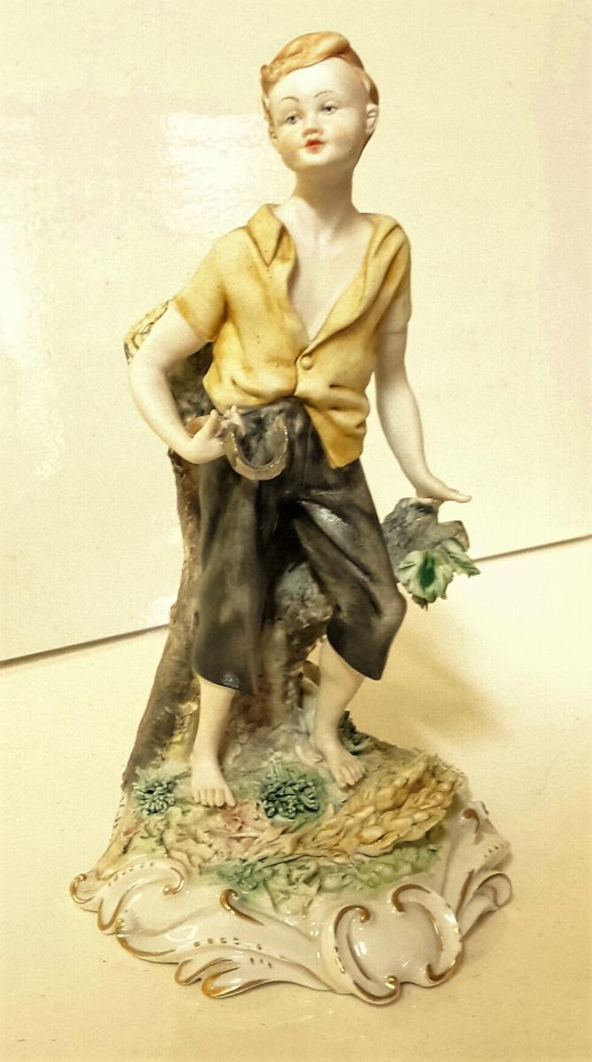 Capodimonte statuette en céramique peinte à la main signée Volta