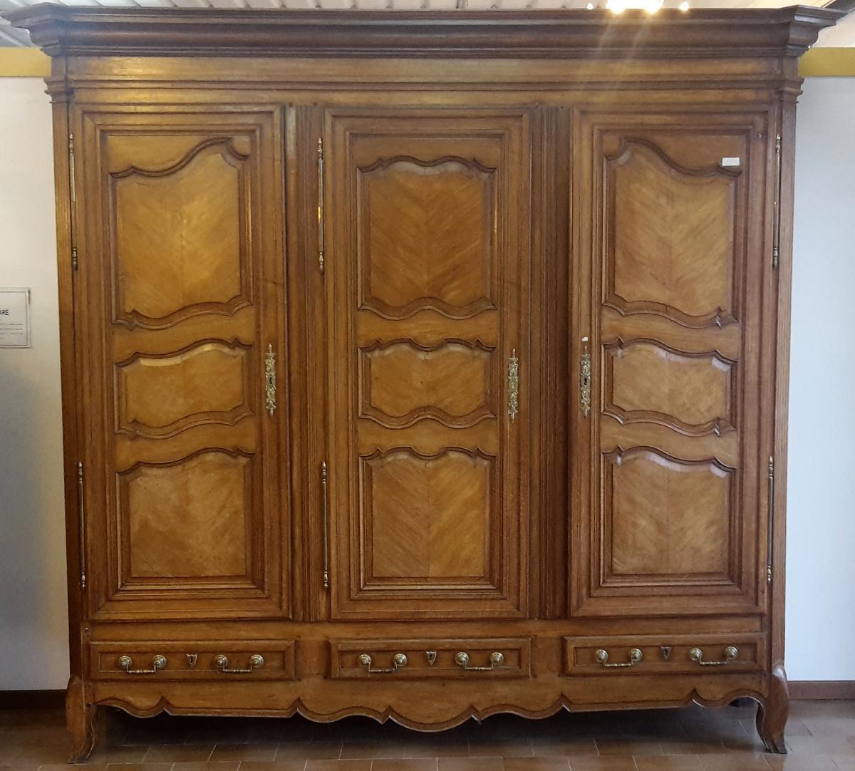 proven al armoire trois portes armoires. Black Bedroom Furniture Sets. Home Design Ideas