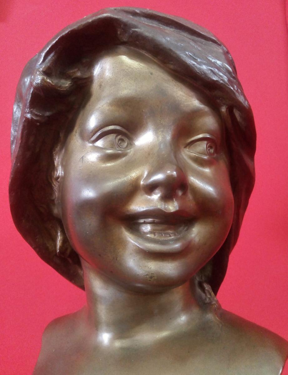 Visage De Jeune Fille Souriante Bronze Signé