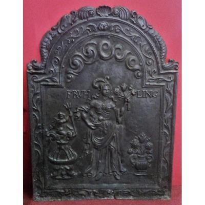 Plaque De Cheminée En Fonte De Style Louis XIII