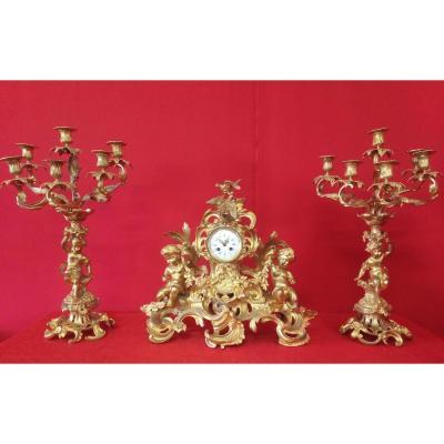 Pendule Et Paire De Candélabres En Bronze Doré