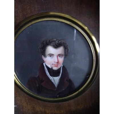 Miniature Vers 1825 (france) Portrait De Jeune Homme