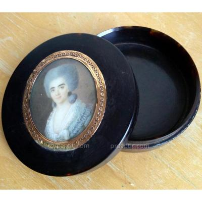 Boite en écaille avec Miniature Fin XVIIIÉme Siècle