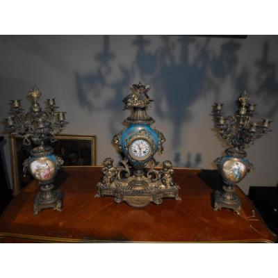 Garniture De Cheminée En Bronze Doré Et Porcelaine De Sèvres