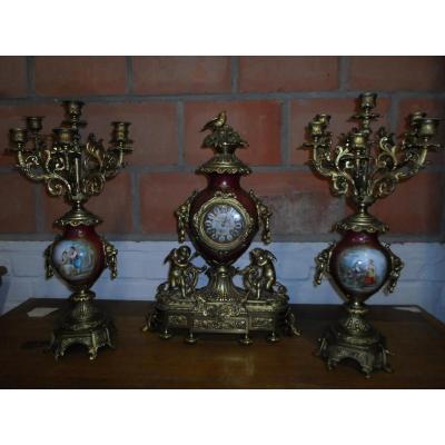 Garniture De Cheminée En Bronze Et Porcelaine