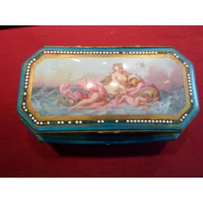 Boîte En Porcelaine De Sèvres