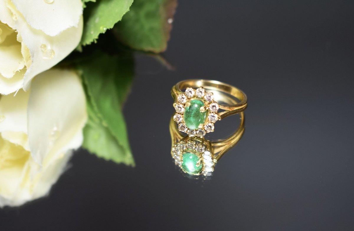 Bague Avec émeraude Et Diamants