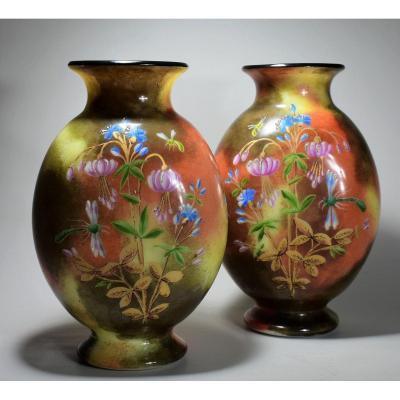 Paire de Vases En Opaline Saint-Louis