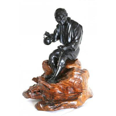 Statue en bronze à patine noire, Okimono - Homme Japonais, fin période Meiji