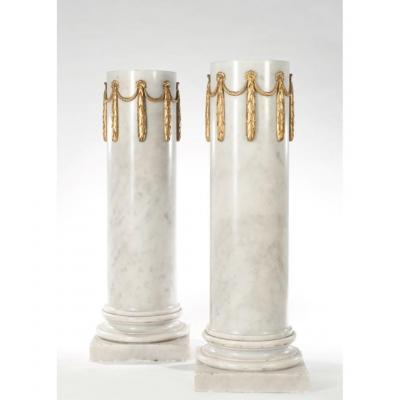 Pair Of Marble Columns Carrara White XIXth Century H: 125cm D: 43cm