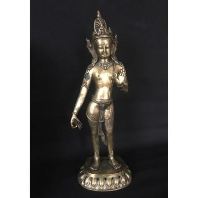 BODHISATTVA AVALOKITESVARA LOKESVARA, statue en bronze patiné.  Népal, art NEWAR de l'Himalaya. Asie