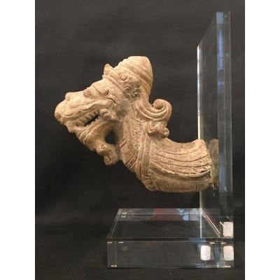 Tête de serpent NAGA en terre cuite, époque MAJAPAHIT, circa XIV - XV eme JAVA Indonésie