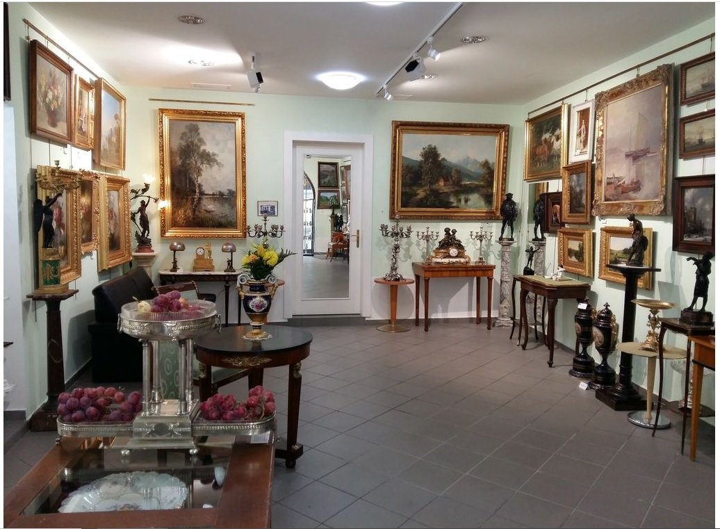 Antique and Gallery Mignon