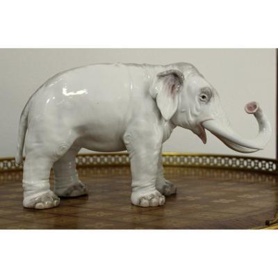 Meissen Large Elephant Statue By Joachim Kaendler 19th Century Length 30cm