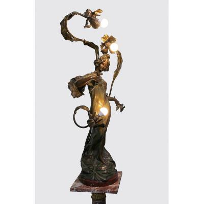 Large Art Nouveau Figural Bronze Lamp