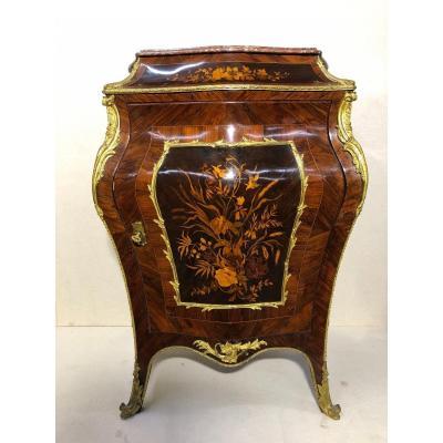 Meuble en marqueterie en bronze doré de style Louis XV