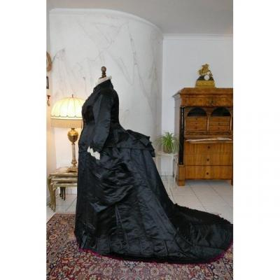 Robe Ancienne En Soie à Buste Emile Pingat, Vers 1882