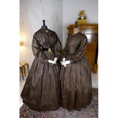 Robe Ancienne d'Après-midi Pour Mère Et Fille, Années 1840
