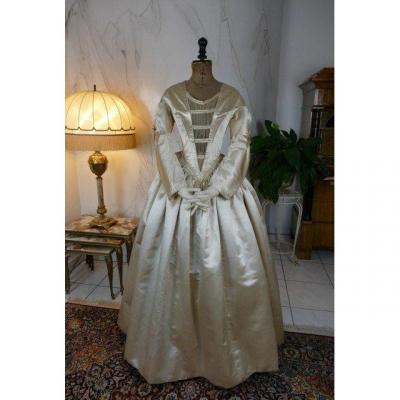 Robe Ancienne De Mariée d'époque Romantique, Vers 1845