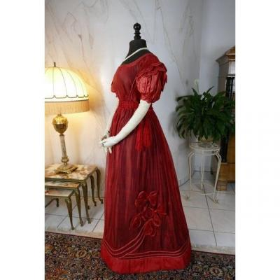 Robe Ancienne En Gaze Française, Madame Hyde De Neuville, Vers 1828