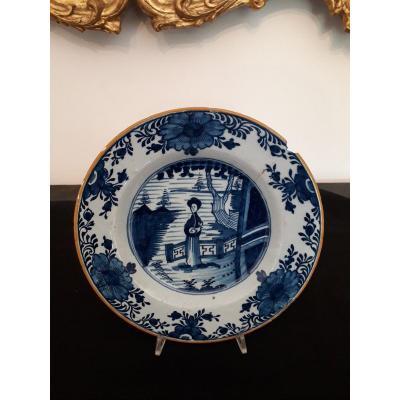 Plat Delft  XVIIIè. s.  Diam. 23 cm.