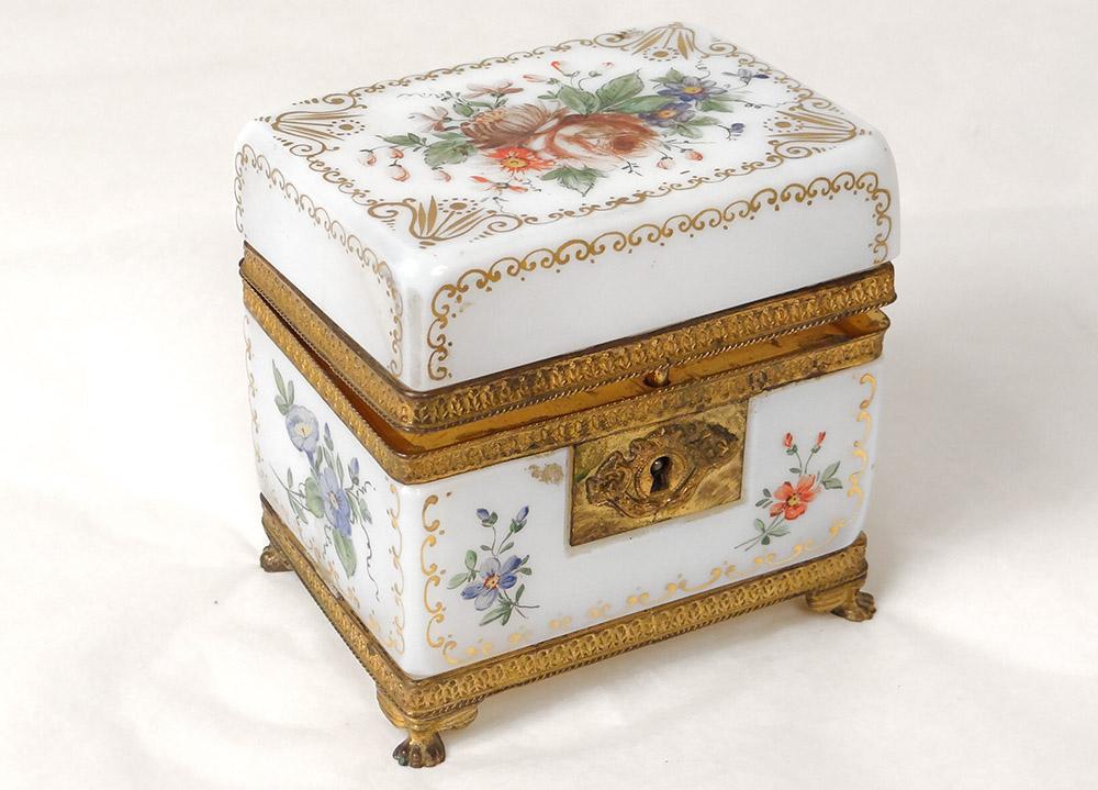 Coffret Boîte Opaline Blanche Dorure Fleurs Laiton Doré Charles X XIXè