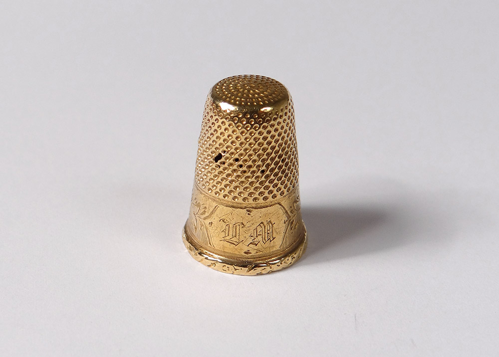Thimble Solid Gold 18 Carat Eagle Head Monogram 3,54gr Nineteenth