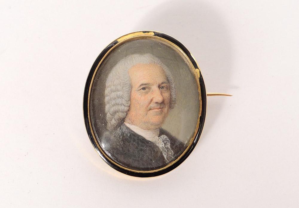 Miniature Ovale Nacre Portrait Noble XVIIIème Broche Or Massif 18K émail