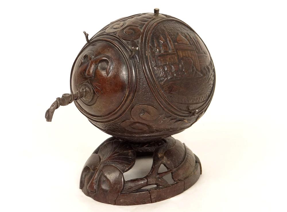 Noix de Coco Sculptée Décor Orientaliste Fleurs Paysages XIXème Siècle