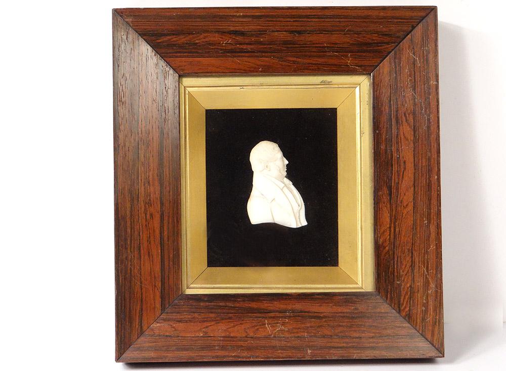 Sculpture Bas-relief Ivoire Dieppe Profil Homme Aristocrate Bourgeois XIXème
