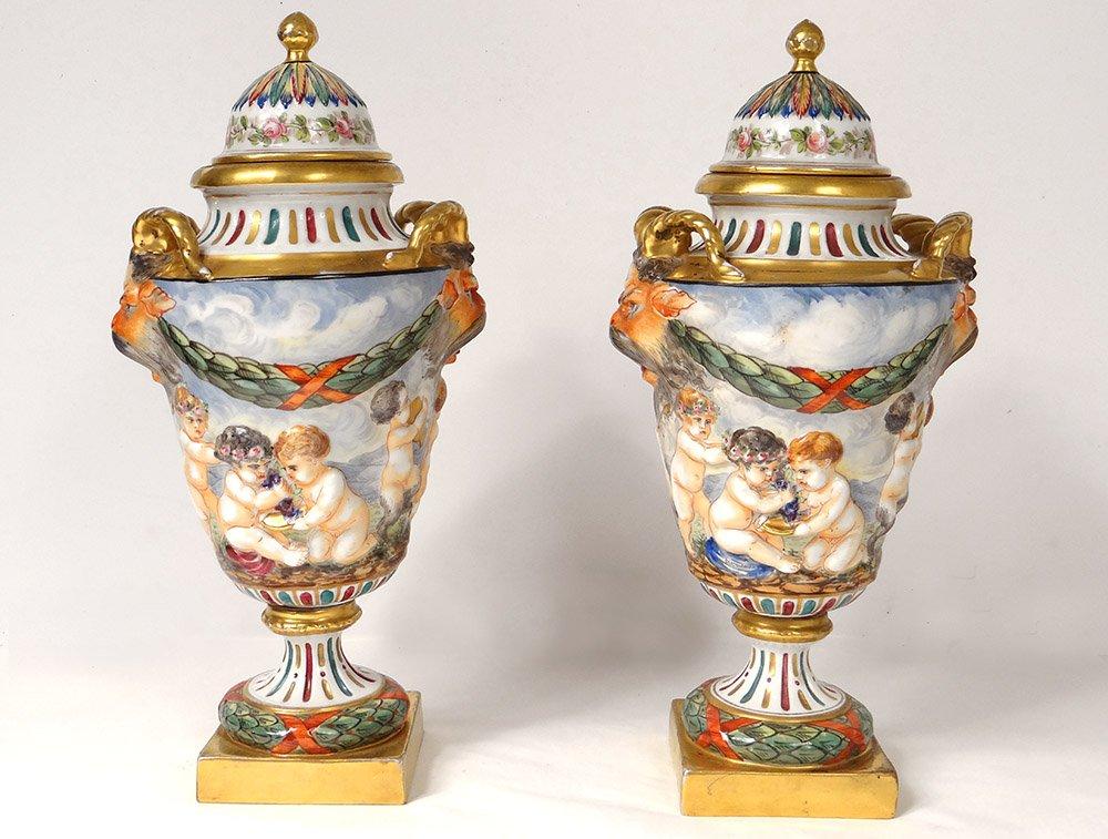 Paire Pots Couverts Porcelaine Capodimonte Faunes Chérubins Bacchus XIXème