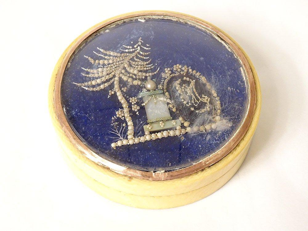 Boite Ivoire écailles Monogramme Décor Perles époque XIXème