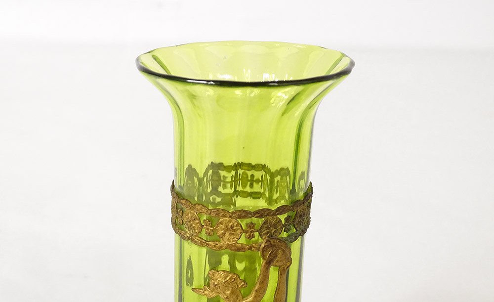 Paire De Vases Vert Laiton Doré Décor Femmes XIXè-photo-1
